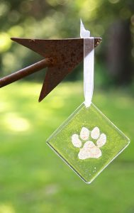 custom-paw-print-arrow-500x794